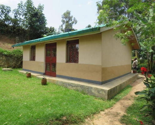 Cottage accommodation bunyonyi lake