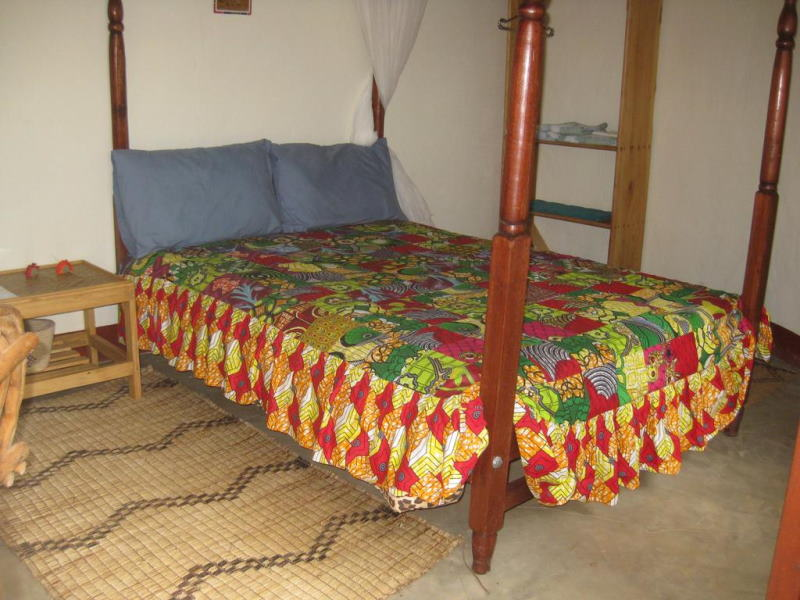 Gerbera double bed