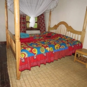 Marigold double bed
