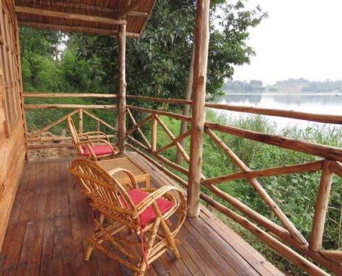Zinnia lake view balcony terrace